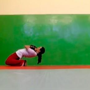 Тренировка квадрицепса и связок коленного сустава.
