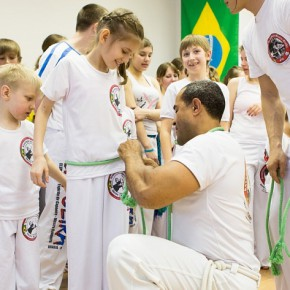 SayToday.ru: Опоясанные капоэйрой. Бразильская культура нашла сотни поклонников в Приморье.