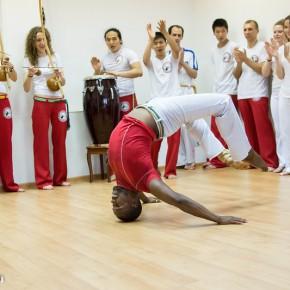 Volegrad.ru: В школе капоэйры состоялся семинар с профессиональным бразильским инструктором