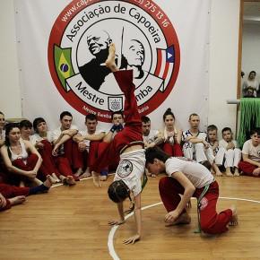 Новости Владивостока на VL.ru: Атмосферу бразильского праздника создал Мастер Бамба на аттестации владивостокских капоэйристов