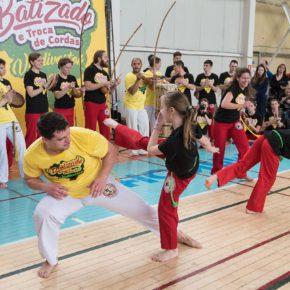 Более 150 владивостокских поклонников капоэйры сдали экзамены на пояса в атмосфере бразильского праздника (NEWS.VL.RU)