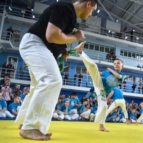 (NEWSVL.RU) Сотни людей окунулись в атмосферу бразильской культуры на международном фестивале Капоэйры во Владивостоке!